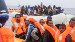 Some of di migrants wey dem rescue