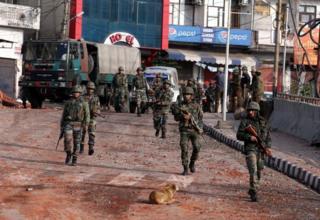 نیروهای هند درحال گشت زنی