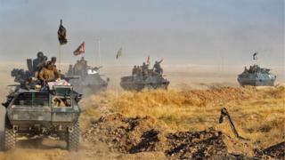 Musul'a ilerleyen Irak ordu birlikleri