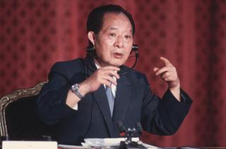 1986年,胡耀邦訪問法國巴黎。