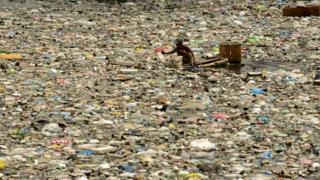 Sampah di Manila 2016