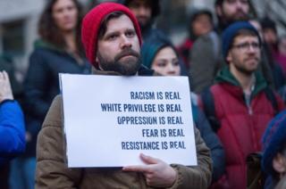 عکس آرشیوی از تظاهراتی در حمایت از مهاجرت و ضدنژادپرستی در اورگان