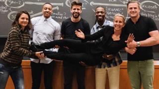 A aula que atrai celebridades em Harvard