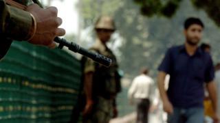 ஸ்ரீநகரில் அதிக பாதுகாப்பு நிரம்பிய பகுதியில் தாக்குதல் நடந்துள்ளது