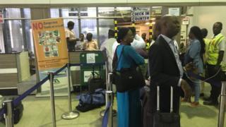 Ndị na-eche ị banye ụgbọelu Medview na ọdọ ụgbọelu Abuja