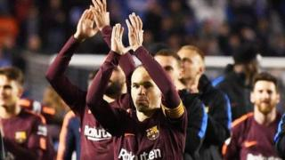 Andres Iniesta da sauran 'yan wasan Barcelona bayan doke Deportivo La Coruna 4-2