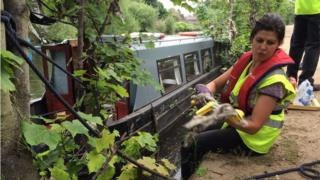 Volunteers cleaned up the stretch of River Aire from the Royal Armouries to Knostrop Quay