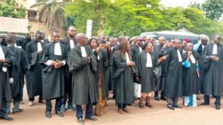 """Les avocats dénoncent les """"dysfonctionnements"""" causés par les grèves à répétition dans le secteur judiciaire."""