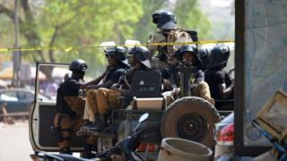Des soldats burkinabè en patrouille à Ouagadougou - archives