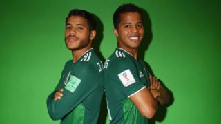 Jonathan y Giovani dos Santos