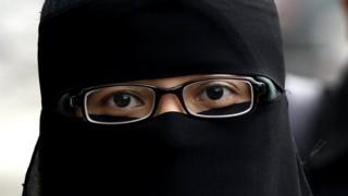 மலேசியா: 41 வயது ஆணுக்கு 3-வது மனைவியான சிறுமி