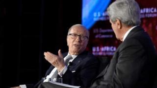 Le président tunisien Béji Caïd Essebsi s'entretient avec le secrétaire d'Etat américain John Kerry.