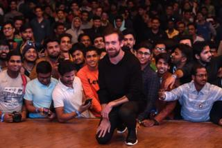 Twitter CEO and co-founder Jack Dorsey (C) poses with students after an interaction session at the Indian Institute of Technology (IIT) in New Delhi on 12 November 2018