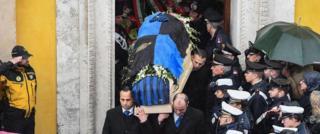 """Труну Алессандро Джанкатеріно укрили прапором його улюбленої футбольної команди """"Інтер"""""""