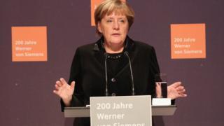 Merkel kürsüde