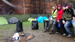 Rough sleepers in Cliff Road
