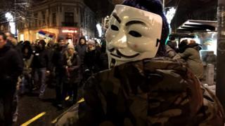 маске протест