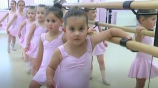 4 para bliznakinja na času baleta