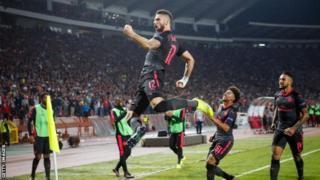 Olivier Giroud amaze gufasha canke kwinjiza mu bitsindo umunani vya Arsenal muri Europa League