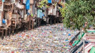 تلوث المياه بنفايات البلاستيك
