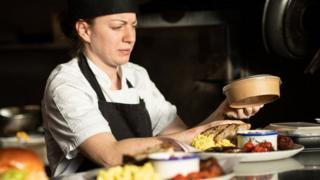 Trabajadora en cocina