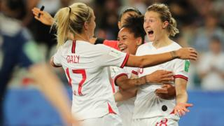 England-players-celebrate-japan-v-england-fifa-world-cup.