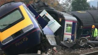 Ufton Nervet rail crash in November 2004