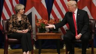 Waziri mkuu wa Uingereza bi Theresa May na mwenzake wa Marekani Donald Trump alipozuru taifa hilo.