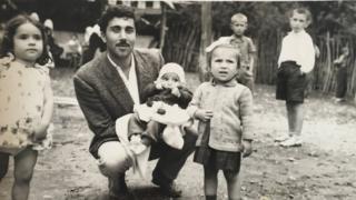 Ali Özkan ve çocuklar