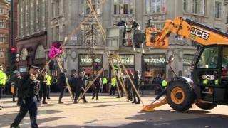 Police remove Oxford Circus Extinction Rebellion protesters