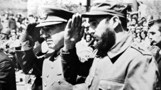 Pinochet e Fidel batem continência
