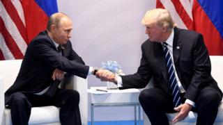 الرئيس الأمريكي دونالد ترامب ونظيره الروسي فلاديمير بوتين
