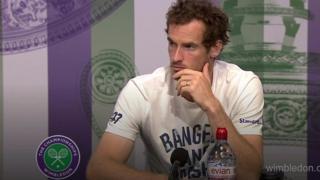 El momento en que Andy Murray corrige el desliz sexista de un periodista en Wimbledon