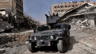 Ciidamada gaarka ah, booliska iyo milatariga Ciraaq ayaa ku sii siqaya galbeedka Mosul