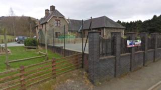 Ysgol Llanerfyl