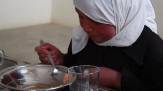 تغذیه رایگان؛ ابتکار سازمان ملل برای مهار سوء تغذیه کودکان افغان