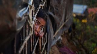 ชาวโรฮิงญาหลายแสนคน ต้องหนีมาอาศัยอยู่ตามค่ายผู้ลี้ภัยในบังกลาเทศ