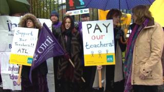 Teachers picket