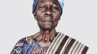 La imagen de la abuela de Ishola Akpo.