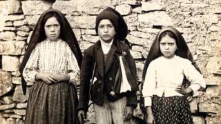 Bakire Meryem'i Fatima'da gördüğüne inanılan 3 çoban çocuk