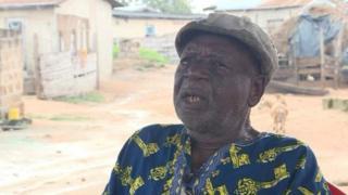 Kofi Asilenu, 80 ans, a cent enfants.