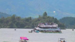 Colombia passenger boat sinks