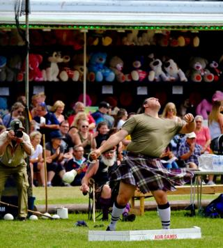 Throwing competition in the Alva Highland Games