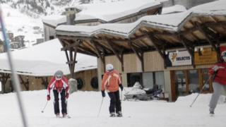 Skiers in Avoriaz (file picture)