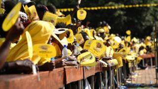 Abanywanyi b'umugambwe uri ku butegetsi muri Uganda, NRM, mu gikorwa co kwiyamamaza mu 2016