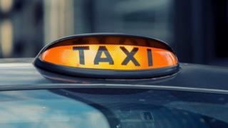 Glasgow taxi driver who charged £25 for four-mile trip suspended