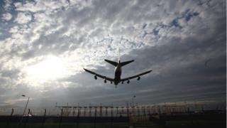 Plane landing at Heathrow