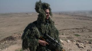 Mosul yaxınlığında snayper