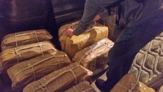 Diplomatik bagajdan çıkan kokain