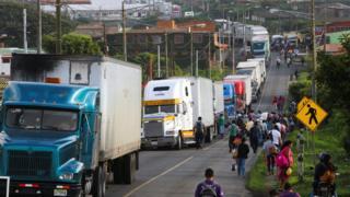 Camiones varados en El Crucero, Nicaragua.